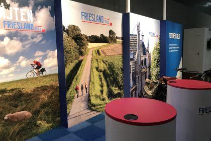Beleef Friesland - Ontwikkeling, UItvoer, Printwerk - Beursstand